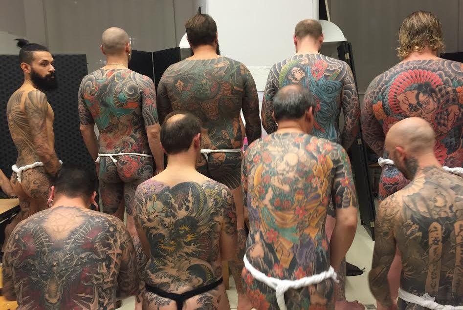 L'équipe du Petit Palais a eu une super idée ! Pour faire venir un public plus large à son expo Fantastique ! dédiée à Utagawa Kuniyoshi – l'un des derniers grands maîtres japonais de l'estampe – elle a organisé un défilé de personnes tatouées