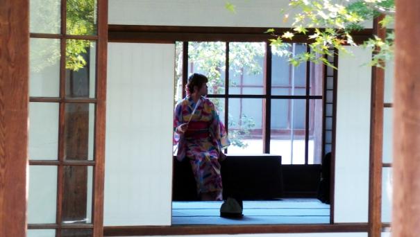Nous avons listé les différentes possibilités de logement à Tokyo au Japon pour les 5 premiers mois de notre PVT sans payer de frais, la solution c'est la guesthouse chambre ou appartement