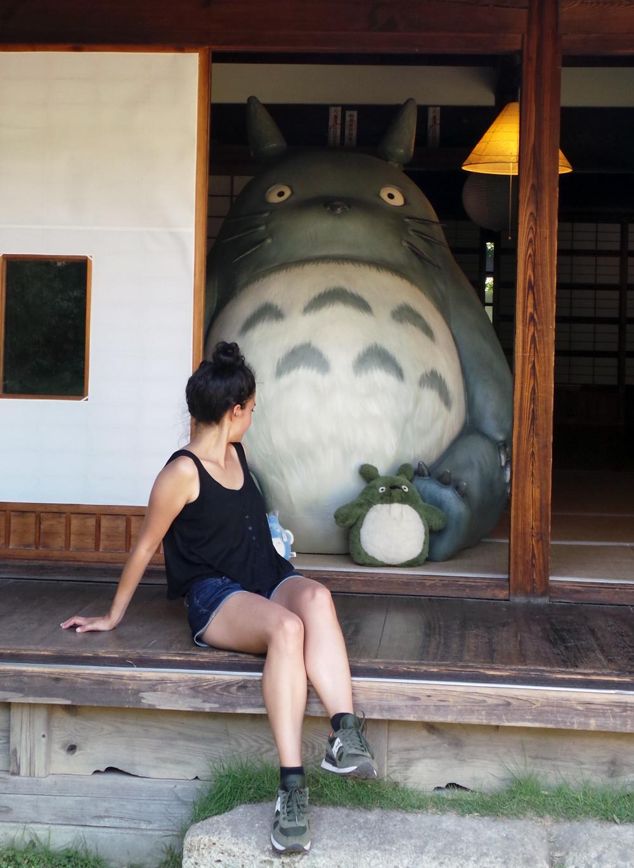 Totoro et moi dans la maison de Totoro !