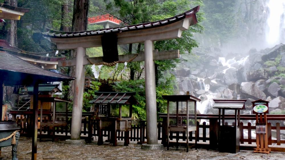 Visite de Kumano Nachi Taisha, le sanctuaire le plus photogénique du Japon.