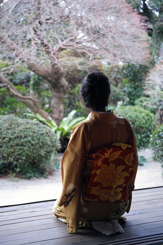 Session photo en kimono à Izumi, Kyushu, Japon.
