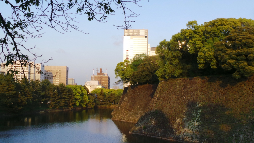 Balade autour du palais impérial du Japon à Tokyo.