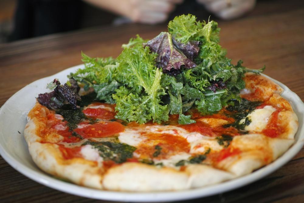 Très bonne pizza au restaurant paradise beer factory à Kashima, près de Tokyo, Japon.