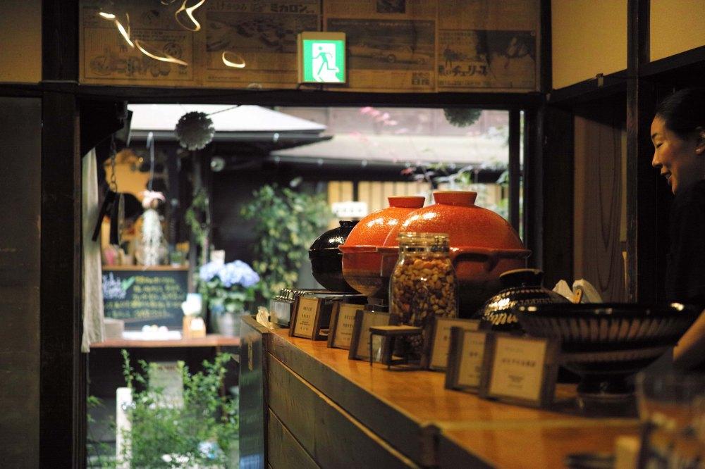 Manger un nabe à Tokyo dans le quartier de Yanaka
