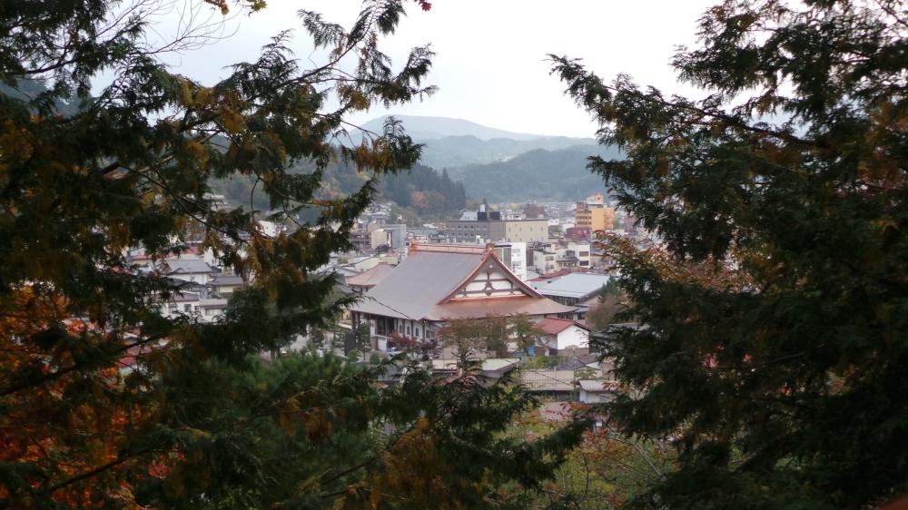 Se promener dans les montagnes autour de Takayama, Japon.