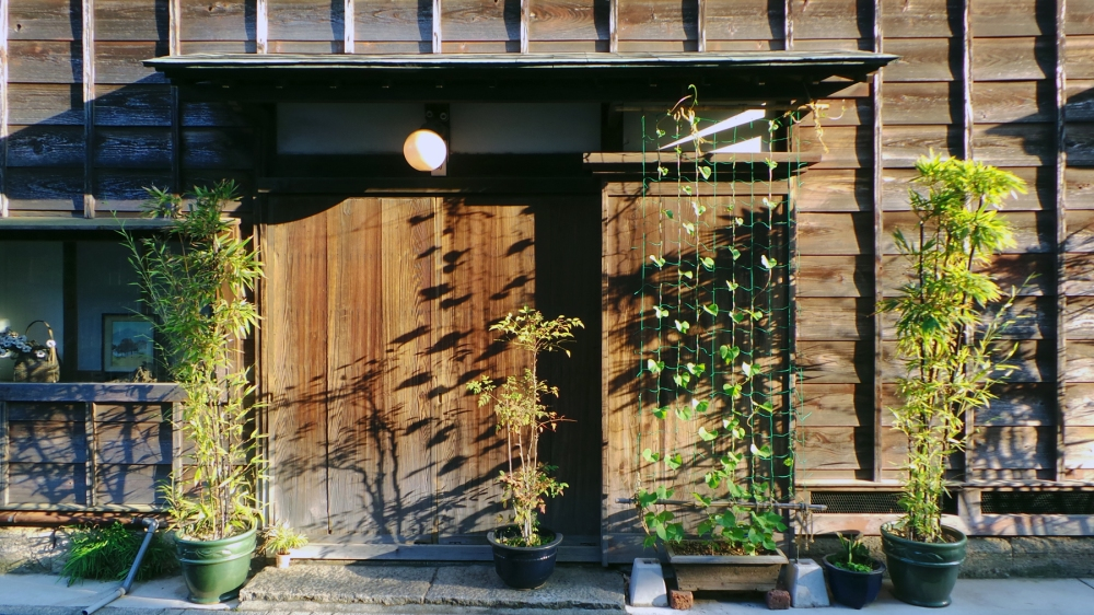 Façade d'une maison en bois japonaise traditionnelles à Kawagoe, Kanto